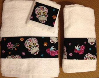 Colorful Skulls Bath Towel Set, Bath Hand Towel and Washcloth - 3 Piece Set