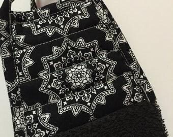 Geometric Kitchen Towel - Geometric Tea Towel - Retro Black White Towel - Black Towel - Wedding Gift - Gift for Her - Modern Retro -Mom Gift