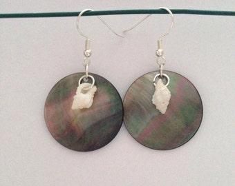 Simple shell earrings