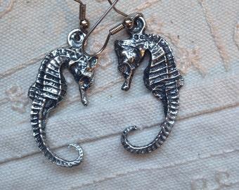 Seahorse earrings, dangle earrings, vintage seahorse earrings, vintage dangle earrings, seahorse jewelry, dangle earrings vintage, seahorses