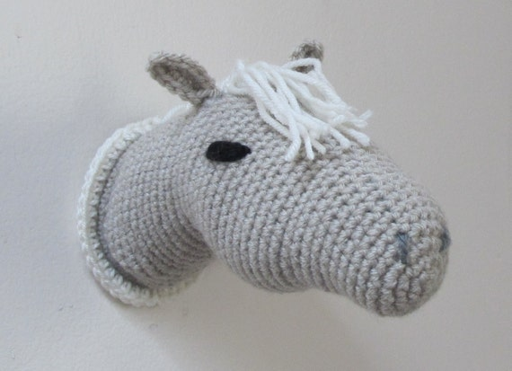 Amigurumi Horse Head : Crochet Trophy Horse Head Wall Mount