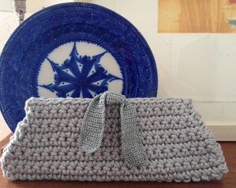 Knitted handbag laced