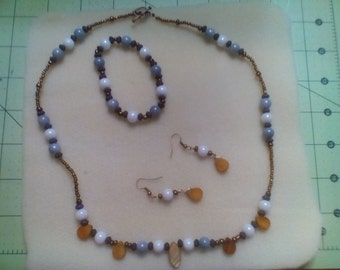 Gray and White Glass Pearl Jewelry Set