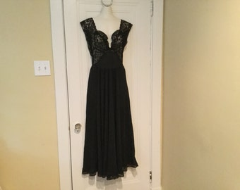 Black SILK LACE 40's Hollywood NIghtgown Negligee