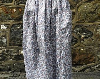 Vintage Liberty Print Skirt  Size S - M