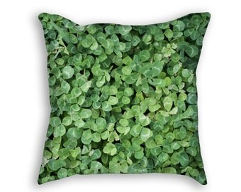 Shamrock Pattern Throw Pillow, Green Ireland Irish Throw Pillow, Green Shamrock Decorative Throw Pillow