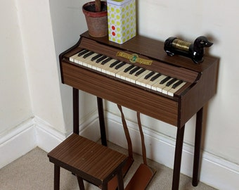 Childrens miniature organ with stool