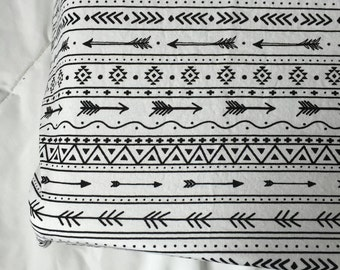 Black and white arrows doodle changing pad cover