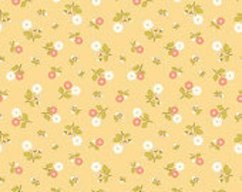 Riley Blake Marguerite in Yellow Small Flowers