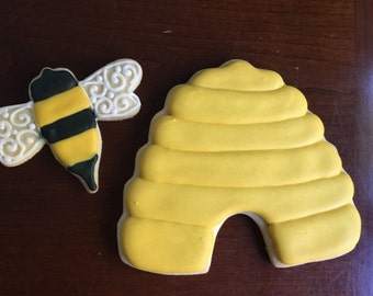 2 Dozen Bee & Hive Cookies