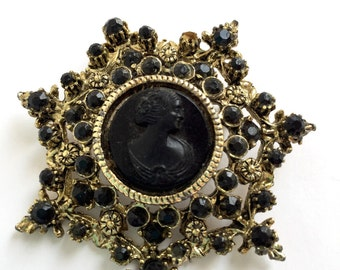 Vintage Star Shaped Cameo Brooch