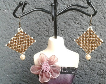 Beige and bronze beads earrings