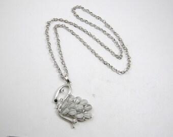 Ladies Costume Jewelry Vintage Art Deco Style Swan Pendant & Necklace