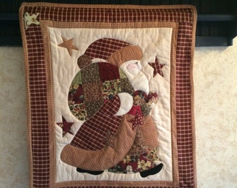 Santa quilt, Christmas wall hanging,  Country Santa, Victorian Santa, Christmas decor, Country Christmas, Plaid fabric, applique
