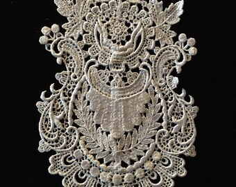 Venise Lace Large Medallion