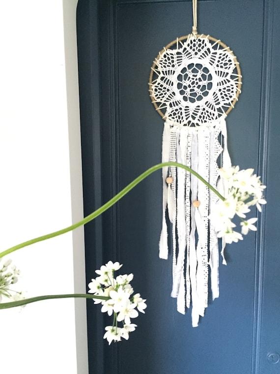 blanc dentelle dreamcatcher attrape r ve taille l. Black Bedroom Furniture Sets. Home Design Ideas