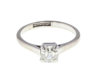 Radiant Cut Diamond Solitaire Ring in Platinum