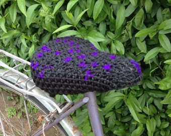 Crochet bike seat cover/ seat cover/saddle cover - Black/Purple, handmade bicycle seat - Thick and chunky yarn. Ready to go! Gorgeous!