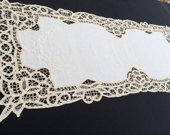 Vintage Ivory, Cream, Beige Linen and Battenburg Lace Table Runner. Embroidered Linen Table Runner with Rich Battenburg Lace Border. RBT1081
