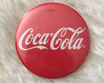 Vintage Coca ~ Cola logo round closed pin red button