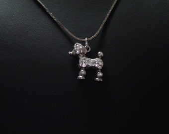 Vintage necklace, pendant, zinc with a small poodle with the Rhine stone and assorted string no. 0122