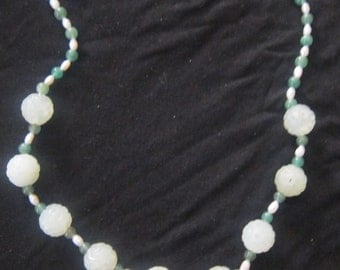 Necklace genuine jade and Freshwater Pearl sweet vintage