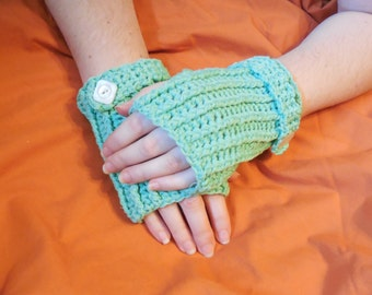 Ladies Fingerless Gloves in Mint