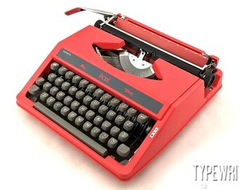 The red fox! WH SMITH Red Fox 1979. WH Smith typewriter, vintage typewriter, working typewriter,old typewriter, manual typewriter,