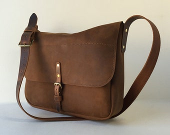 "Brown Leather 15"" Laptop Messenger"