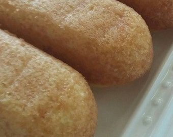 baked goods, homemade twinkie inspired dream cakes, vanilla cake, specialty food, edible gifts
