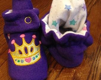 princess crown embroidered fleece baby booties