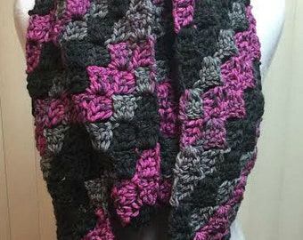 Crochet Scarf, Infinity Scarf, Chunky Scarf, Black and Pink Scarf, Striped Scarf, Winter Scarf, Knit Scarf, Scarf, Circle Scarf