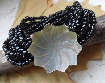 Mother of Pearl flower, bracelet, bracelets, black, Pearl