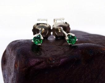 Green topaz jewerly, green topaz earring, round earrings green topaz, sterling silver stud earrings 2 mm