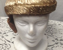 Gorgeous, vintage hat from 1940s, beige, straw, tam, beret (summer, weddings, bridal, garden parties) designed by Marston's of San Diego!