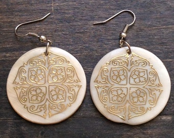 Vintage gold and cream Earrings