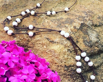 Pearl tassel necklace,Pearl on leather necklace,pearl necklace,tassel necklace,pearl on leather tassel necklace,leather pearl necklace,leath
