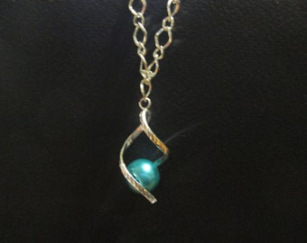 Parure necklace and loop earrings