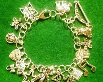 Charm bracelet on handmade chain