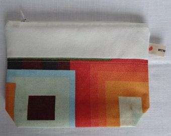 Cables pouch. Lined pouch. Pouch for cords. Pouch for earphones. Zippered pouch. Makeup pouch. Pencil pouch.