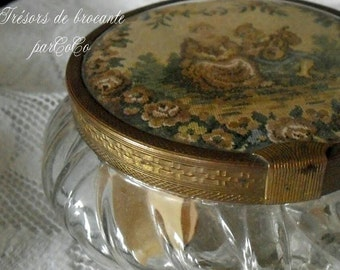 🌸 🌸 Charming, ancient glass jar with lid