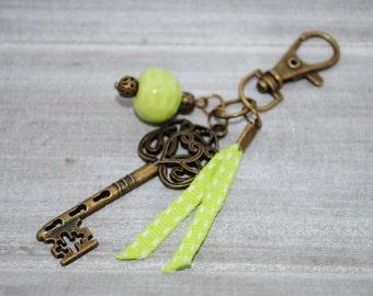 Key key, Pearl ceramic Apple green