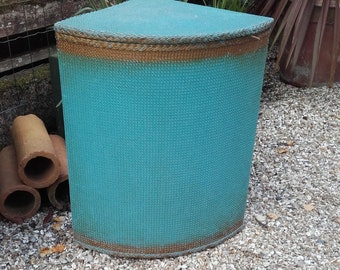 Vintage Wicker Laundry Basket