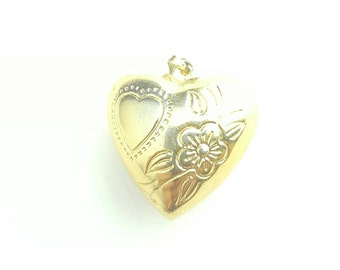 Vintage Gold Tone Hollow Stamped Heart Charm Pendant