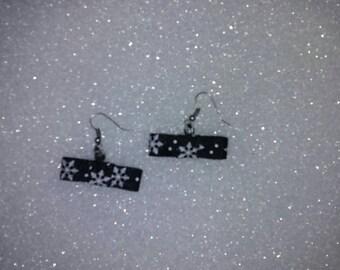 Snowflake tuxedo bow earrings