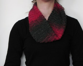Crochet cowl in red and dark grey