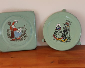 Dutch pan coasters from the 1930's / green / dutch decor /