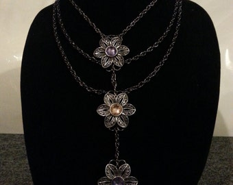 3 Flowered Necklace