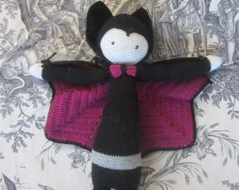 Doll Lalilala, Vlad the Vampire bat in hook