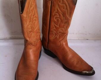 Orange boots size 8ЕЕ , vintage western cowboy men's boots.
